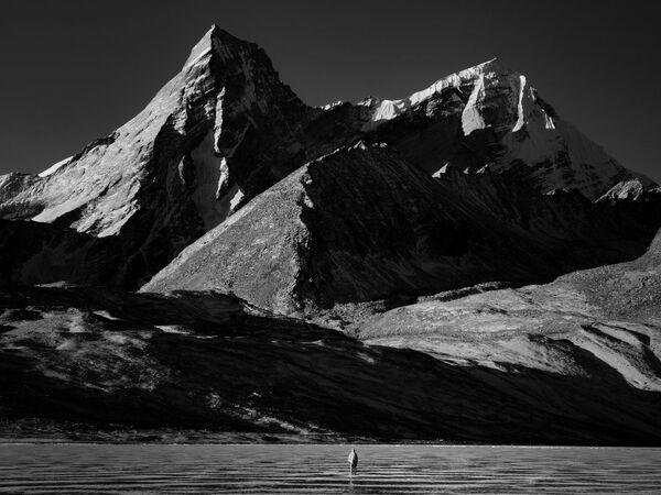 La foto Riverenza, della fotografa cinese Jinyi He, vincitrice nella categoria Viaggi e avventura della decima edizione del concorso fotografico Mobile Photography Awards  - Sputnik Italia