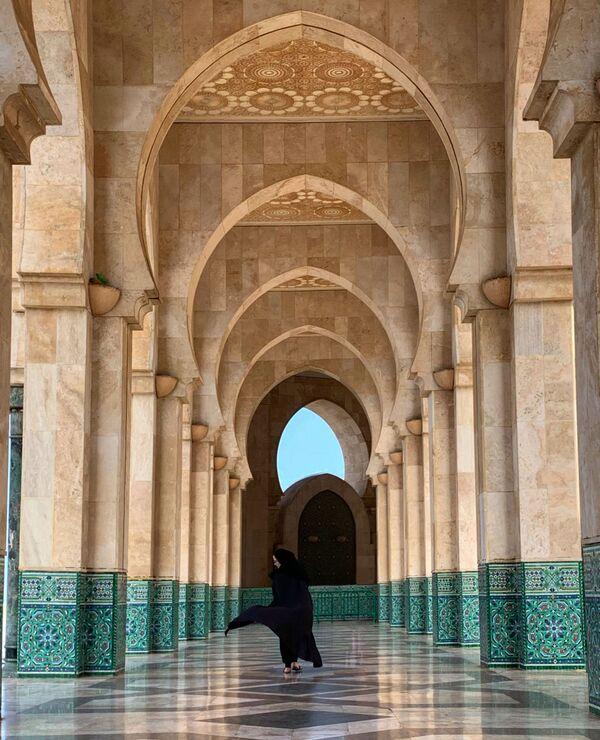 La foto La bellezza degli archi, del fotografo del Bahrein Mona Jumaan, vincitrice della categoria Architettura e Design della decima edizione del concorso fotografico Mobile Photography Awards  - Sputnik Italia