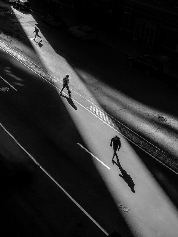 La foto Stuart Street – Boston, del fotografo statunitense Jeff Larason, vincitrice nella categoria Fotografia di strada  della decima edizione del concorso fotografico Mobile Photography Awards - Sputnik Italia