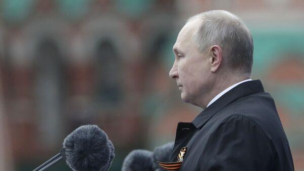 Putin partecipa alla Parata militare - Sputnik Italia