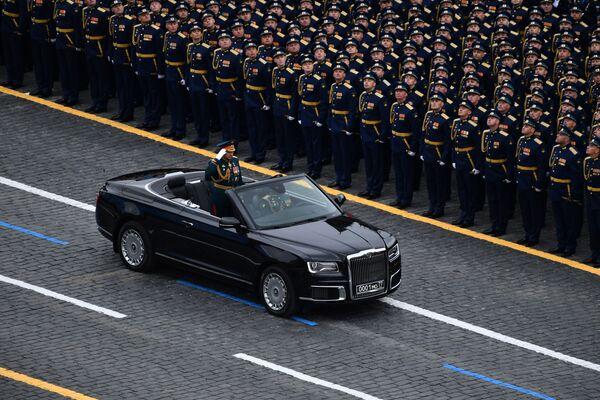 Il Ministro della Difesa russo, il Generale Sergei Shoigu durante la parata militare sulla Piazza Rossa a Mosca - Sputnik Italia