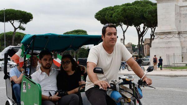 Turisti sul risciò a Roma - Sputnik Italia
