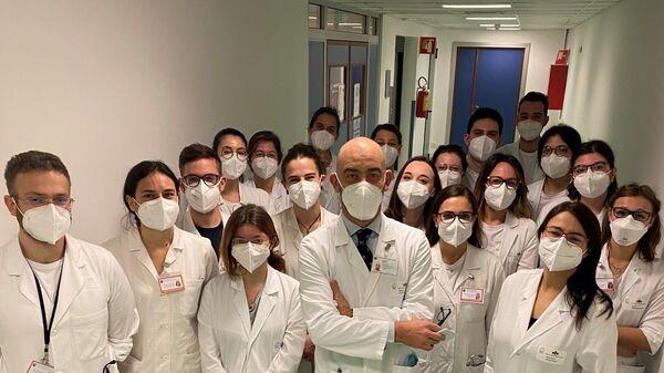Matteo Bassetti e la sua equipe di medici - Sputnik Italia