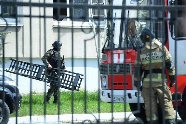 Russia, sparatoria in una scuola a Kazan: un'esplosione è avvenuta all'interno di una scuola a Kazan, in Russia, dove due persone hanno aperto il fuoco - Sputnik Italia