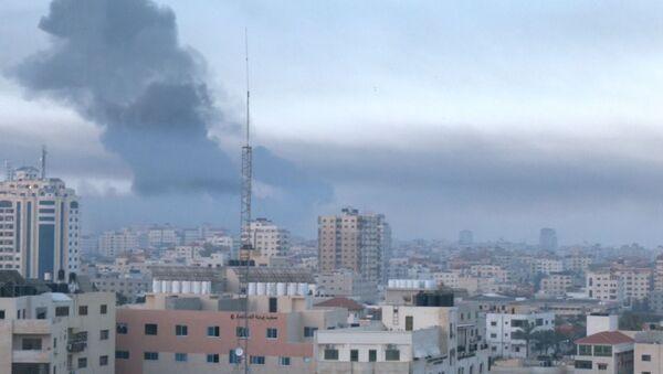 I militanti nella Striscia di Gaza hanno lanciato oltre 600 razzi contro Israele, di cui 200 sono stati intercettati dal sistema di difesa missilistico israeliano Iron Dome - Sputnik Italia