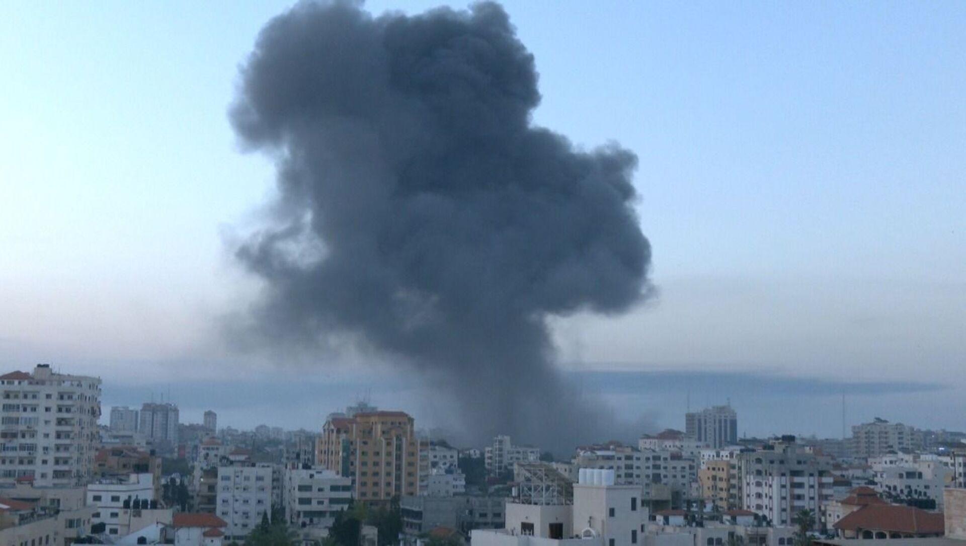 Israele ha anche effettuato numerosi attacchi contro la Striscia di Gaza per rappresaglia - Sputnik Italia, 1920, 13.05.2021