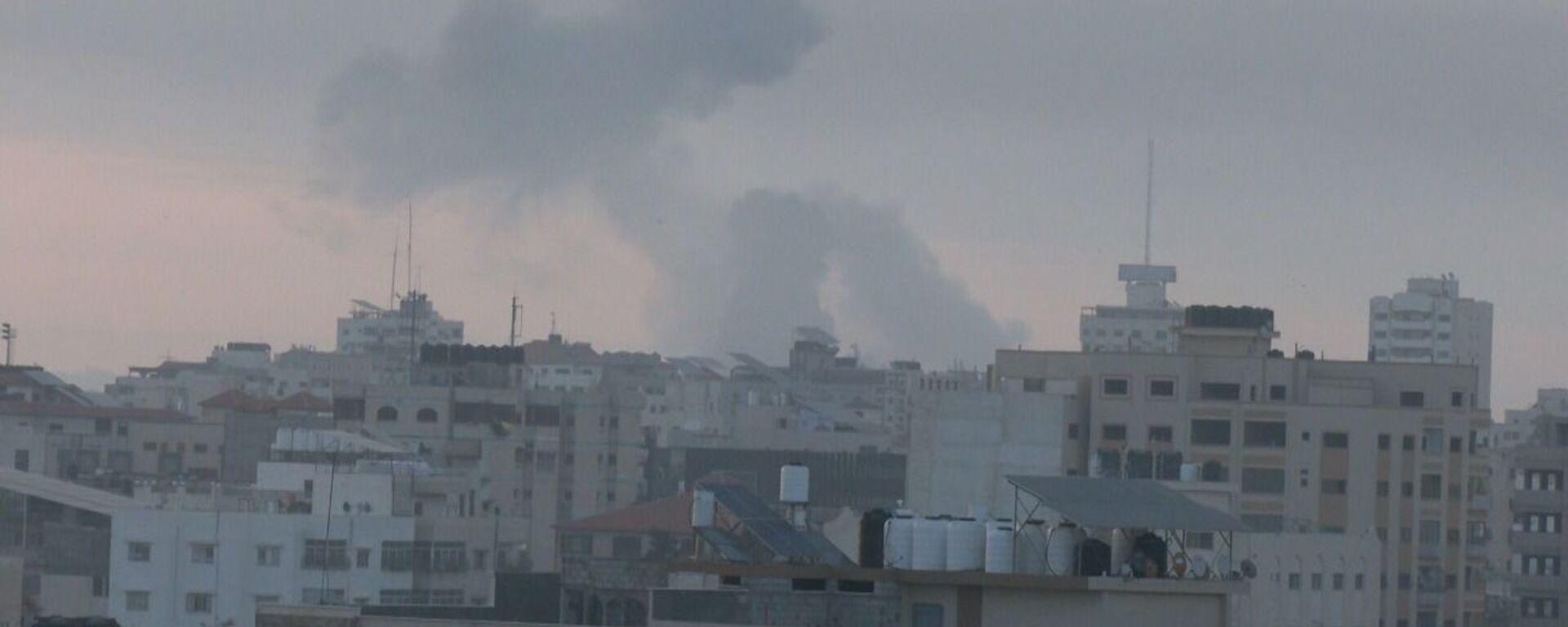 Israele ha anche effettuato numerosi attacchi contro la Striscia di Gaza per rappresaglia - Sputnik Italia, 1920, 16.06.2021