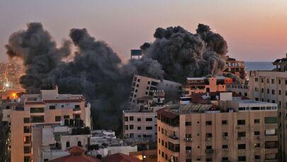 Il numero di morti dopo i bombardamenti israeliani contro la Striscia di Gaza è salito a 30, tra cui dieci bambini, e altre 203 persone sono rimaste ferite, ha affermato il ministero della Salute.