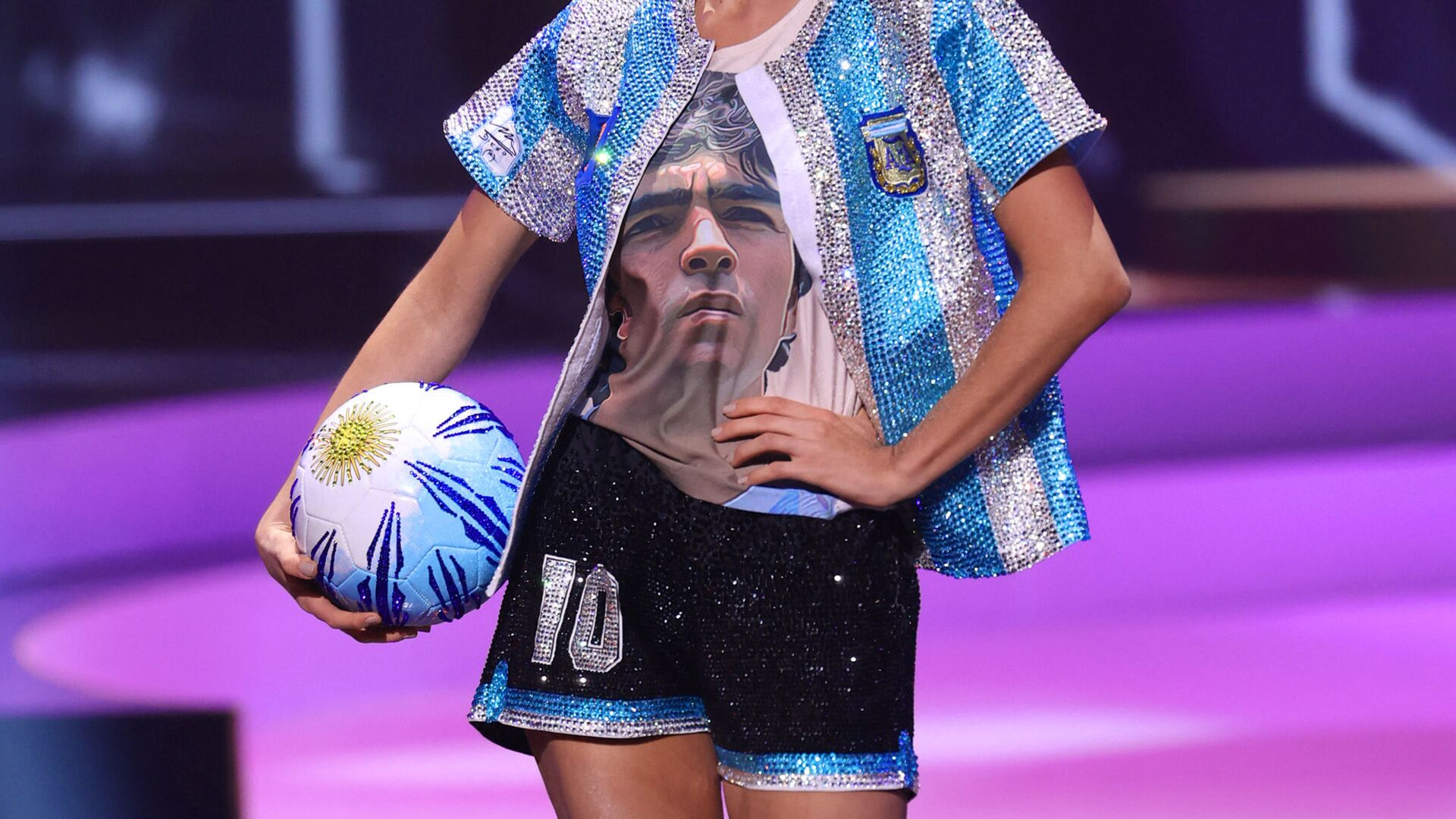 Мисс Аргентина Алина Аксельрад во время показа национального костюма конкурса Мисс Вселенная 2021  - Sputnik Italia, 1920, 14.06.2021