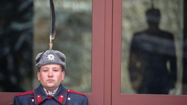 Un soldato della Guardia Presidenziale bulgara a Sofia - Sputnik Italia