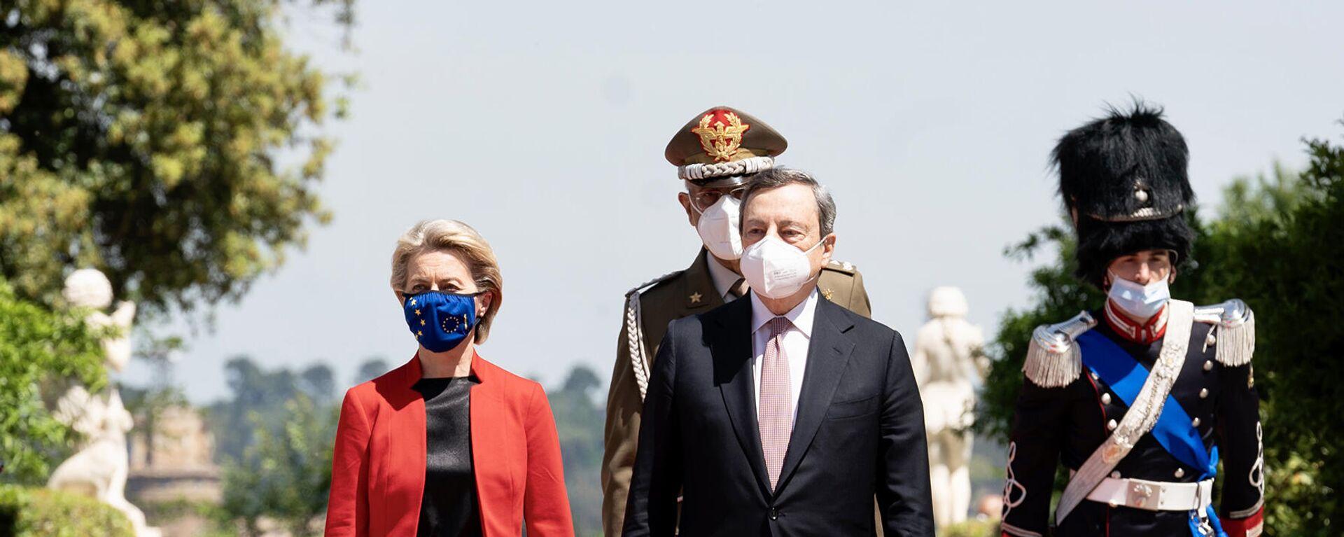 Il Presidente del Consiglio, Mario Draghi, accoglie a Villa Pamphilj la Presidente della Commissione Europea Ursula von der Leyen in occasione del Global Health Summit - Sputnik Italia, 1920, 15.06.2021