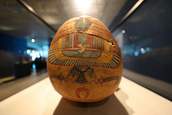 Il sarcofago è uno dei tanti affascinanti manufatti in mostra. - Sputnik Italia