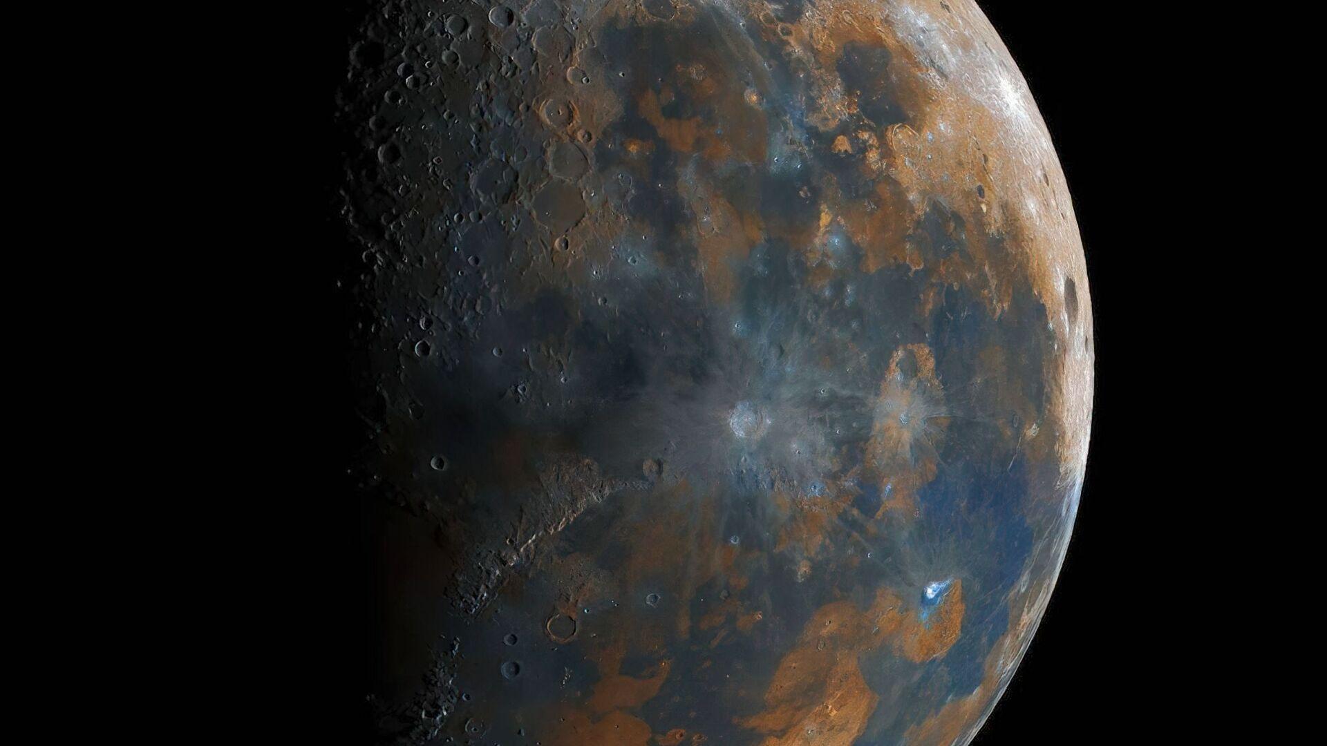 40 ore e 50mila foto, 16enne crea foto super dettagliata della Luna - Sputnik Italia, 1920, 22.05.2021