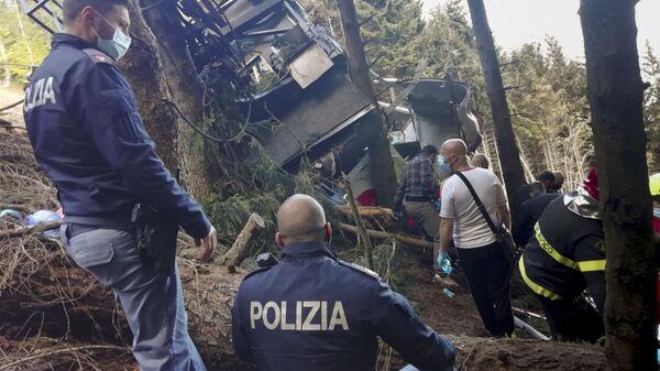 На месте крушения кабины фуникулера на севере Италии - Sputnik Italia