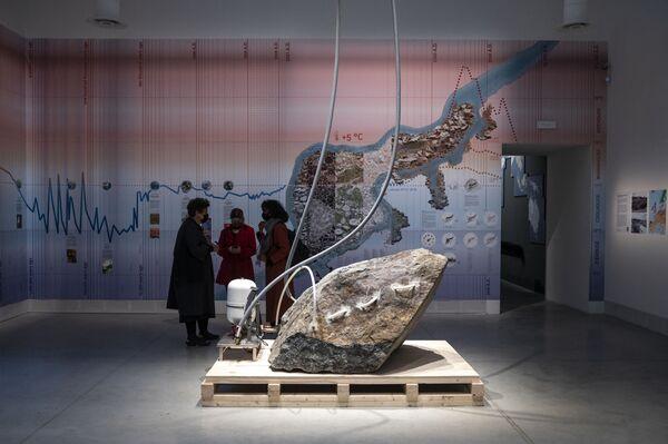 Nel corso dell'ultimo decennio La Biennale ha dato crescente importanza all'attività formativa, sviluppando un forte impegno nelle attività Educational verso il pubblico delle Mostre, le università, i giovani e i ragazzi delle scuole di ogni ordine e grado. - Sputnik Italia