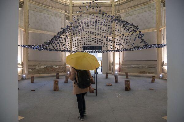 """""""Il mondo sta lanciando nuove sfide all'architettura"""". Ha esordito così il curatore dell'evento Hashim Sarkis. E il titolo dell'Esposizione """"Come vivremo insieme?"""" è la domanda chiave attorno alla quale si sviluppano i temi di quest'anno. - Sputnik Italia"""