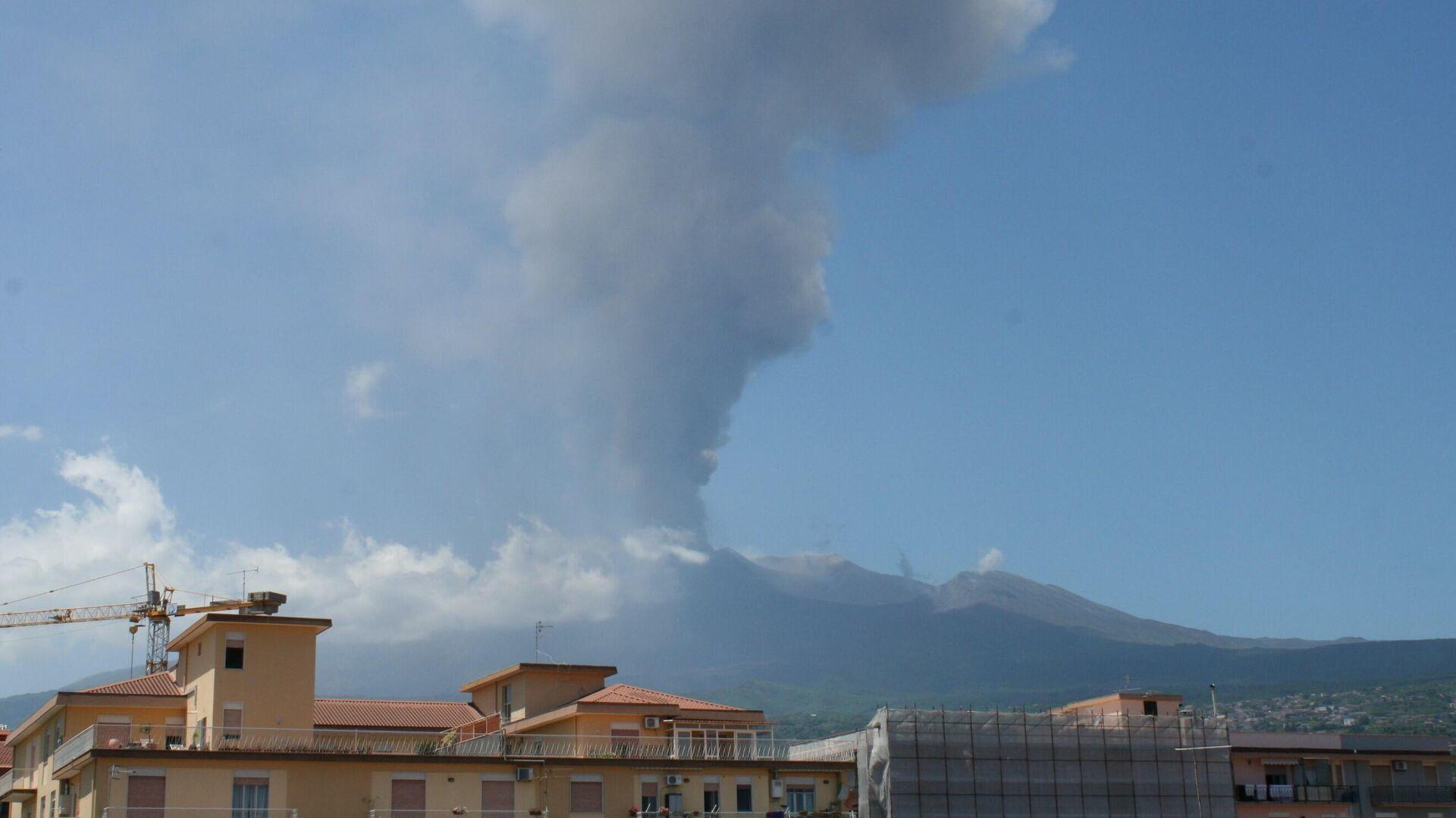 Etna in eruzione 26 maggio 2021 - Sputnik Italia, 1920, 26.05.2021
