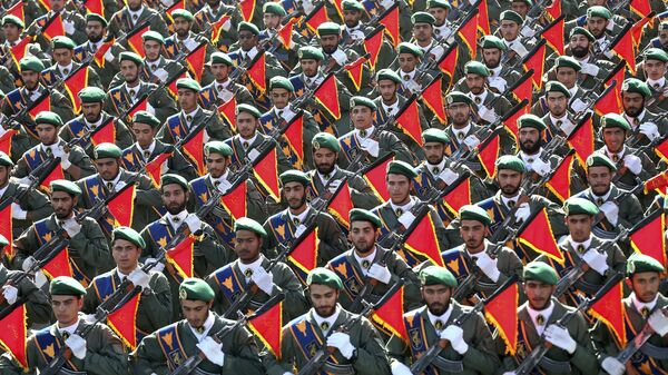 Корпус стражей исламской революции на военном параде  - Sputnik Italia