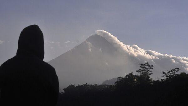 Monte Merapi en Indonesia  - Sputnik Italia