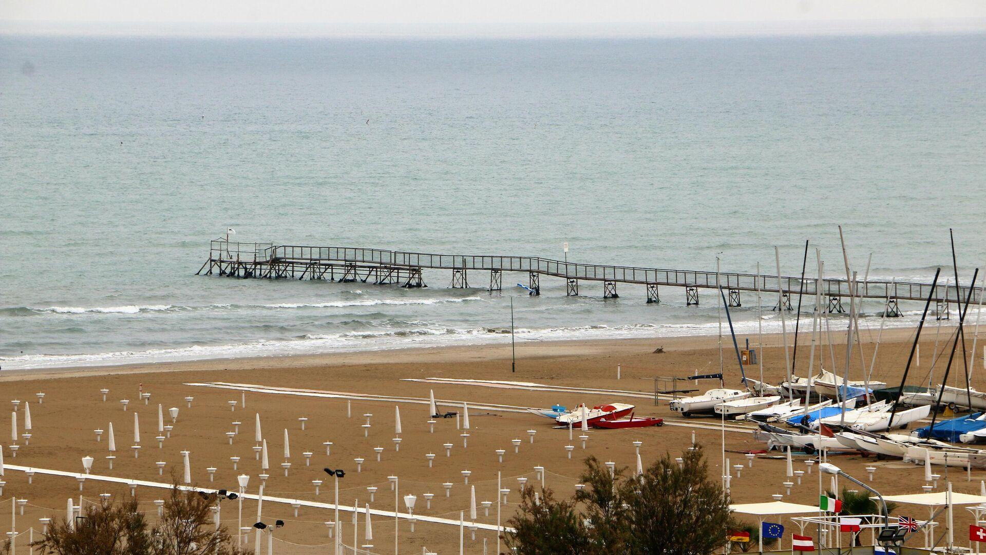 Spiaggia vuota - Sputnik Italia, 1920, 31.05.2021