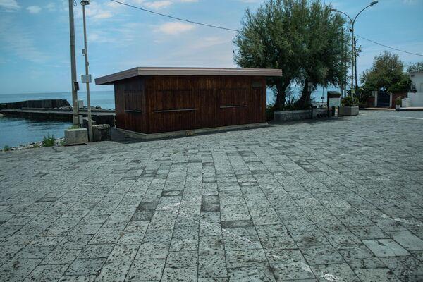 Strade e piazze dei comuni etnei ricoperte dalla cenere vulcanica - Sputnik Italia