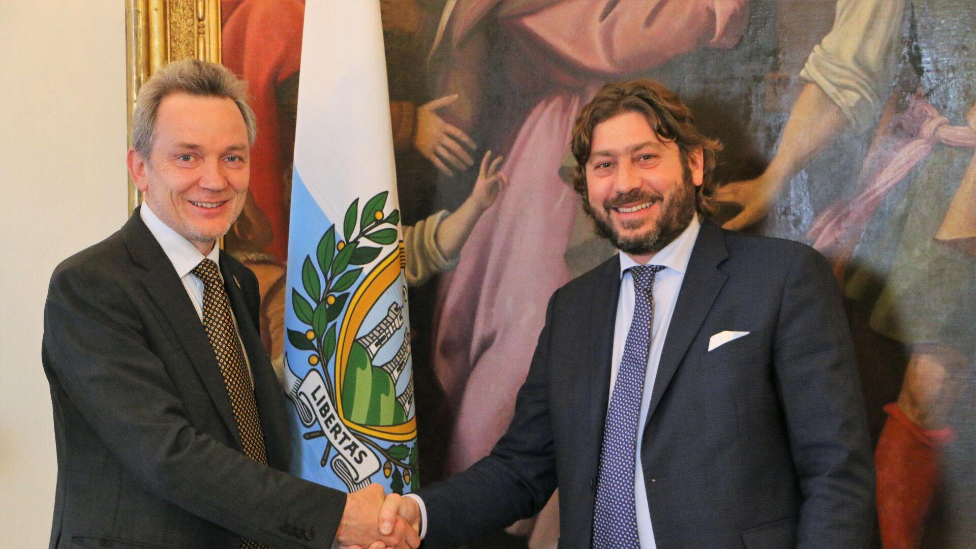 Evgeny Utkin con il ministro del turismo della Repubblica di San Marino, Federico Pedini Amati - Sputnik Italia, 1920, 02.06.2021