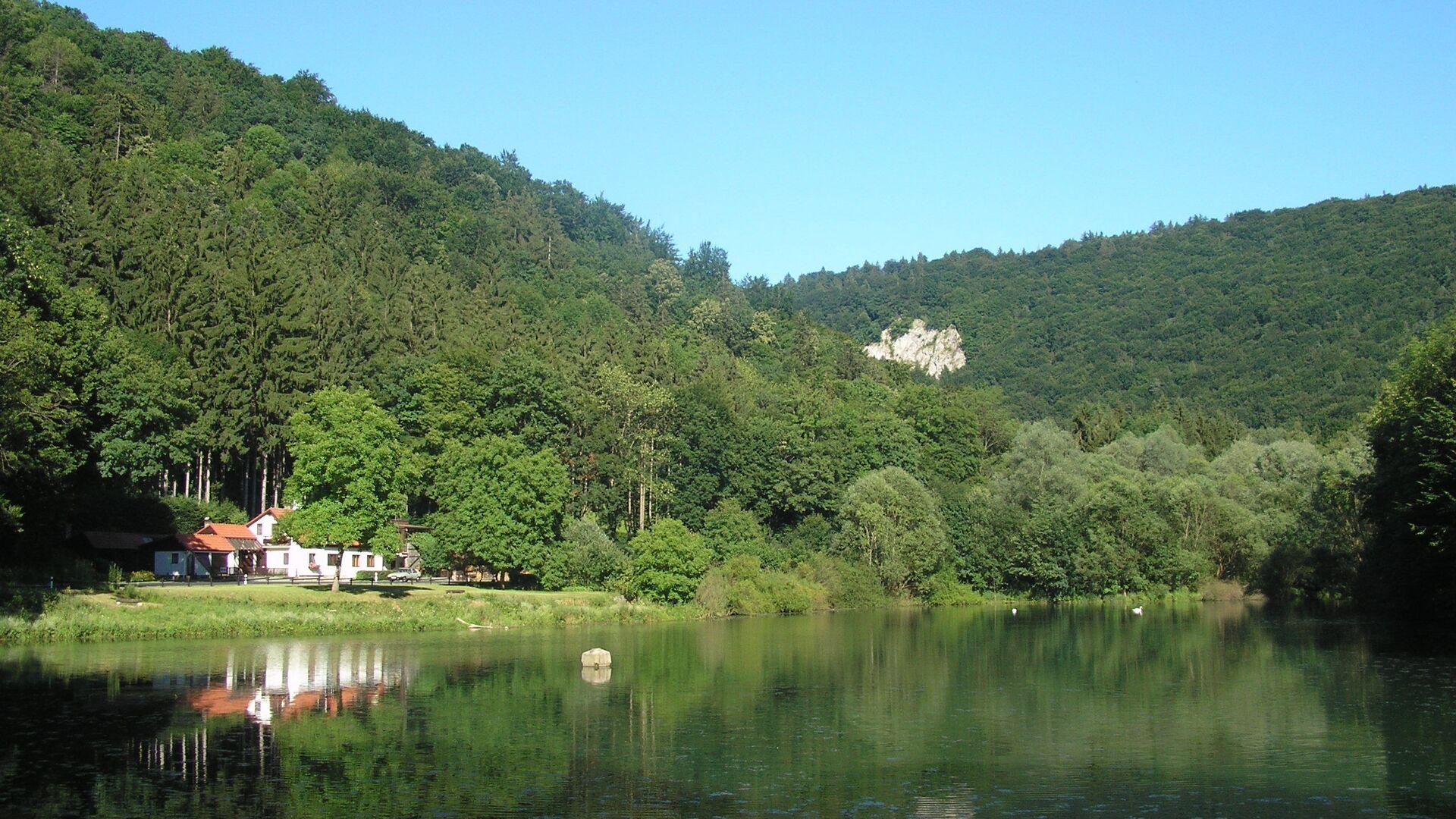 Un lago in Repubblica Ceca - Sputnik Italia, 1920, 03.06.2021