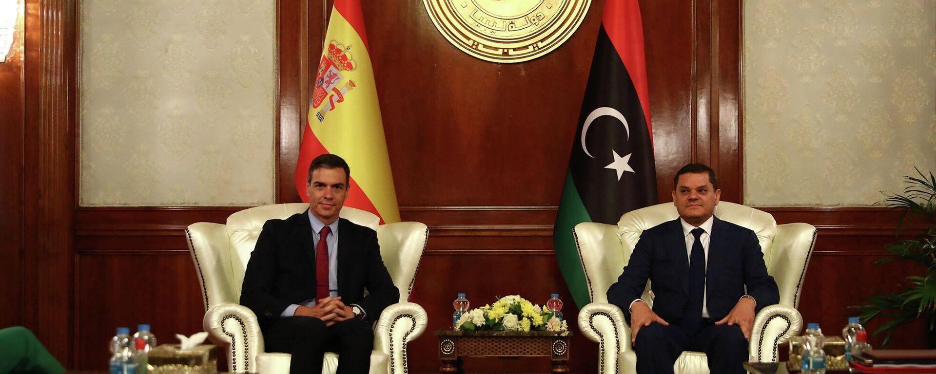 Il premier spagnolo Pedro Sanchez e il premier del governo transitorio libico Abdul Hamid Dbeibah - Sputnik Italia, 1920, 03.06.2021