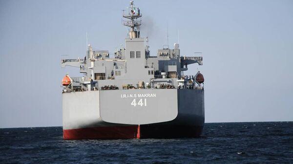 Иранский военный корабль Makran - Sputnik Italia
