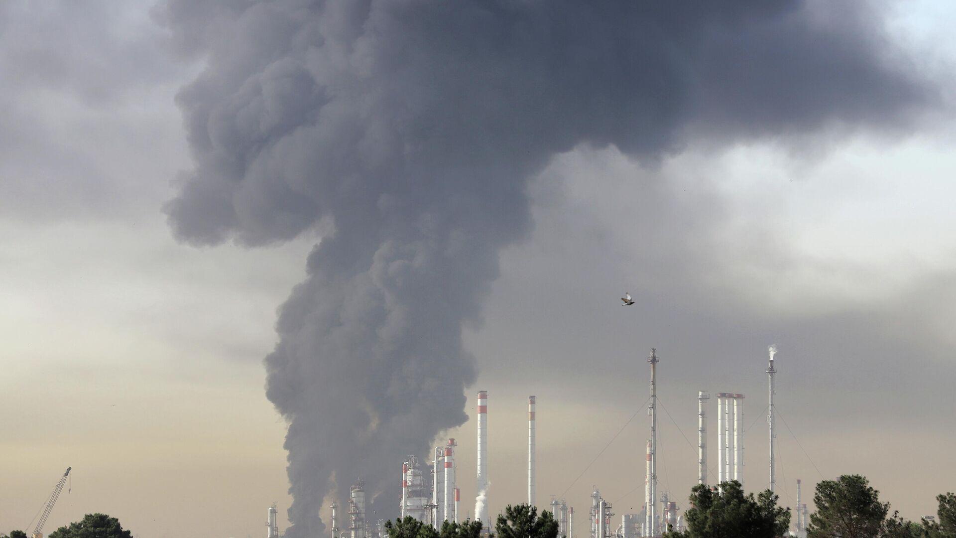 Esplosione in un fabbrica in Iran - Sputnik Italia, 1920, 06.06.2021