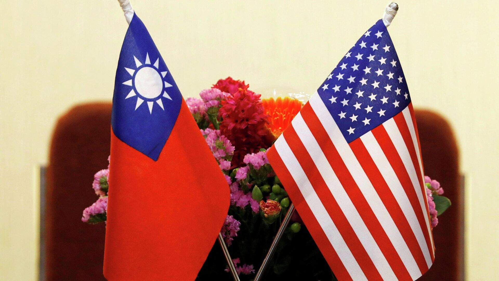 Bandiere di Taiwan e USA - Sputnik Italia, 1920, 08.06.2021