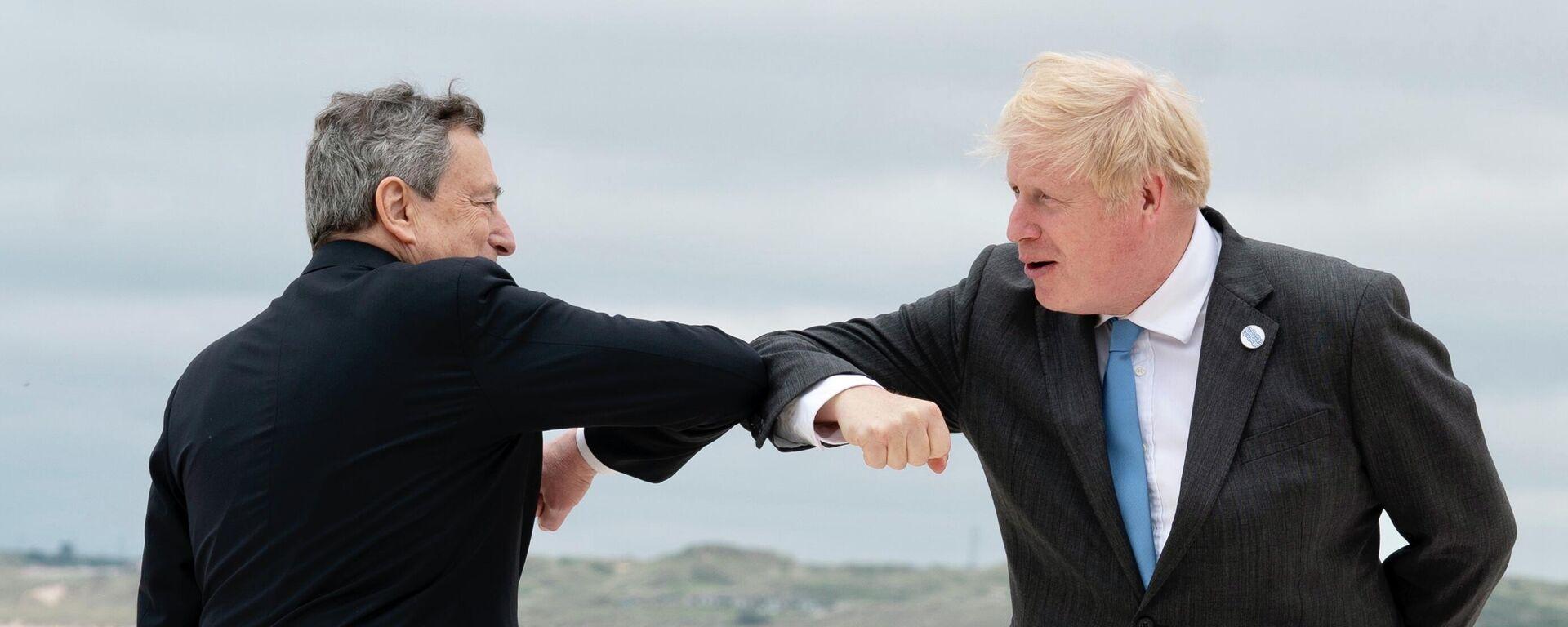 Boris Johnson e Mario Draghi al G7 in Cornovaglia - Sputnik Italia, 1920, 18.07.2021