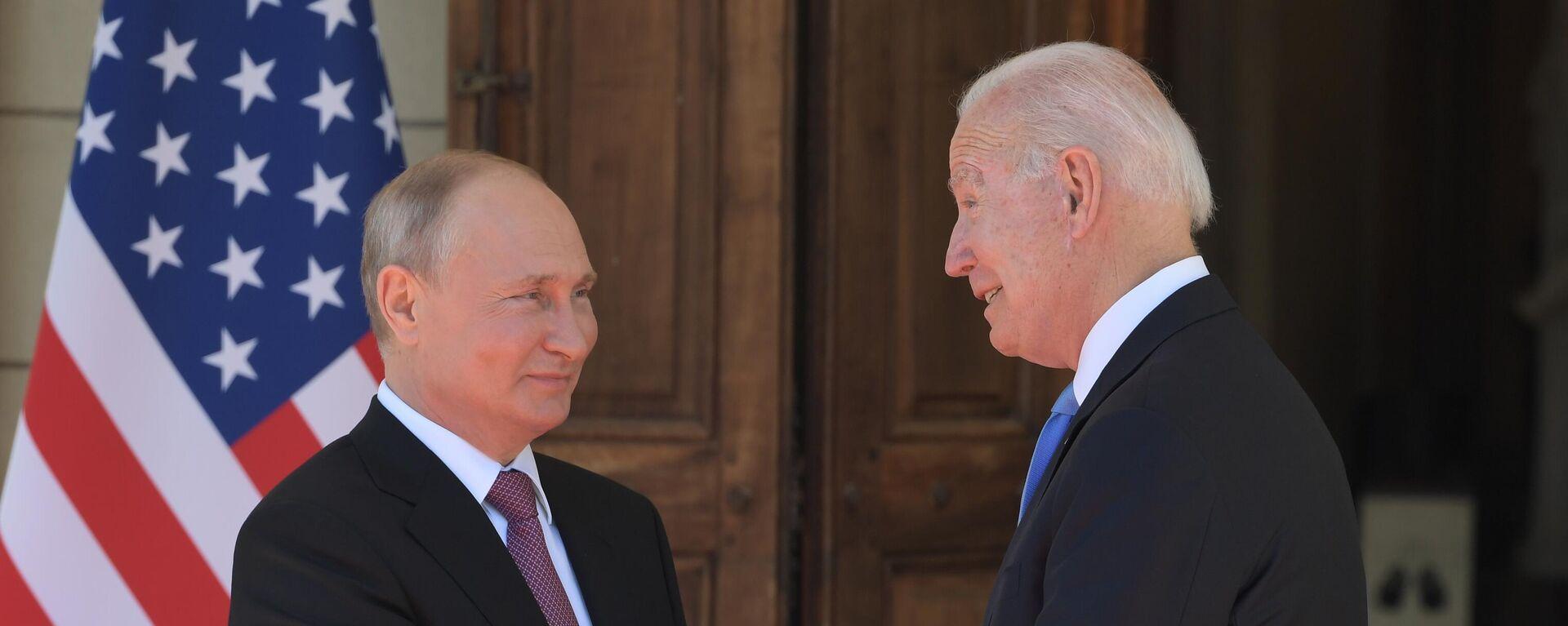 Guarda lo storico incontro tra Vladimir Putin e Joe Biden - Sputnik Italia, 1920, 16.06.2021