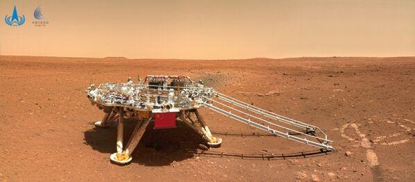 Riuscire ad atterrare su Marte era già di per sè un'impresa e sono stati numerosi i fallimenti negli ultimi anni, ma farlo al primo colpo è stato un risultato lodevole. - Sputnik Italia