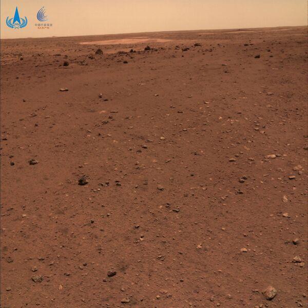 La China National Space Administration ha rilasciato le nuove immagini, che mostrano dove la sua sonda Tianwen-1 è atterrata su Marte il mese scorso. - Sputnik Italia