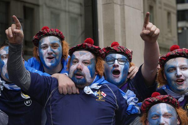 I tifosi della Scozia prima della partita tra Inghilterra e Scozia, a Londra, venerdì 18 giugno 2021. - Sputnik Italia