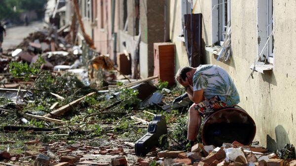 Разрушения в результате удара торнадо по региону Южная Моравия в Чехии - Sputnik Italia
