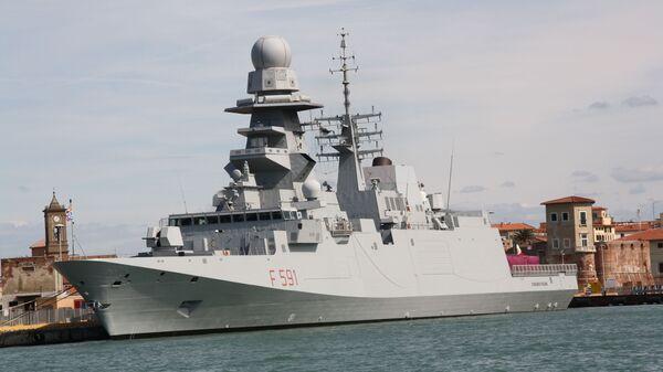 Итальянский фрегат Virginio Fasan (F 591) - Sputnik Italia