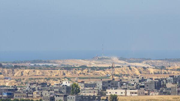 Воздушные шары со взрывчаткой в небе на границе с Израилем и Газой  - Sputnik Italia
