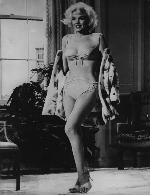 Marilyn Monroe sfoggia un sensuale bikini durante il provino per il film rimasto incompiuto Something's Got To Give (1962). - Sputnik Italia