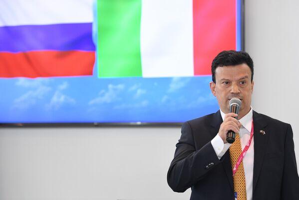 Alfredo Gozzi, Direttore di Confindustria Russia, alla a fiera dell'innovazione e della tecnologia INNOPROM-2021 a Ekaterinburg, Russia. - Sputnik Italia