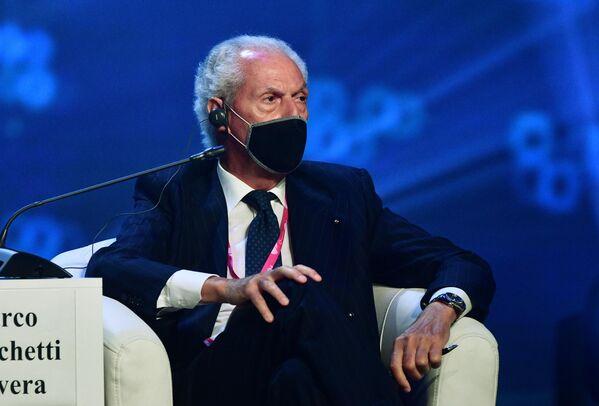 Marco Tronchetti Provera, l'Amministratore delegato del gruppo Pirelli, presiede la seduta del comitato imprenditoriale italo-russo nell'ambito della fiera dell'innovazione e della tecnologia INNOPROM-2021 a Ekaterinburg, Russia. - Sputnik Italia