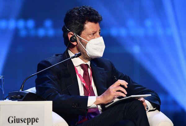 Giuseppe Marino, Amministratore Delegato e Direttore Generale di Ansaldo Energia, partecipa alla seduta del comitato imprenditoriale italo-russo nell'ambito della fiera dell'innovazione e della tecnologia INNOPROM-2021 a Ekaterinburg, Russia. - Sputnik Italia