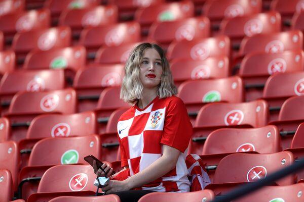 Una tifosa croata prima della partita Croazia - Repubblica Ceca, Glasgow, Scozia, Gran Bretagna, 18 giugno 2021.  - Sputnik Italia