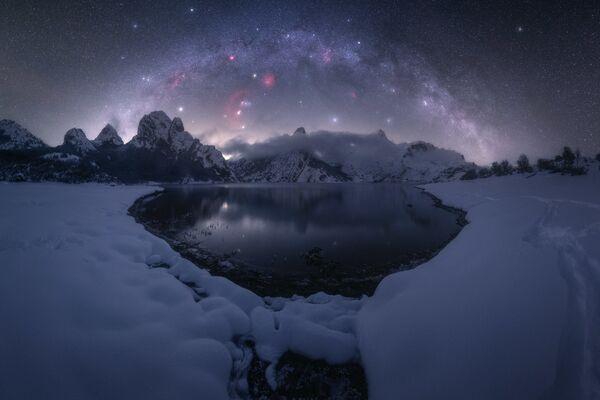 """La foto """"Riaño"""" del fotografo Pablo Ruiz, che è diventata una delle vincitrici del concorso fotografico """"Milky Way Photographer of the Year"""", la foto scattata presso Riaño, Spagna - Sputnik Italia"""
