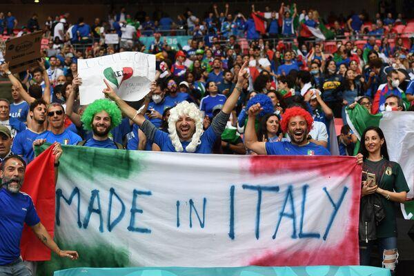 In semifinale la partita con la Spagna si è conclusa con un pareggio dopo i tempi regolamentari e supplementari, ma la squadra di Roberto Mancini ha risolto la sfida ai rigori. - Sputnik Italia