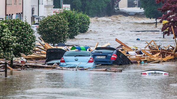 Затопленные улицы немецкого города Зимбах  - Sputnik Italia
