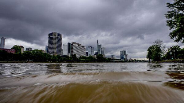 Разлившаяся река Майн во Франкфурте, Германия - Sputnik Italia