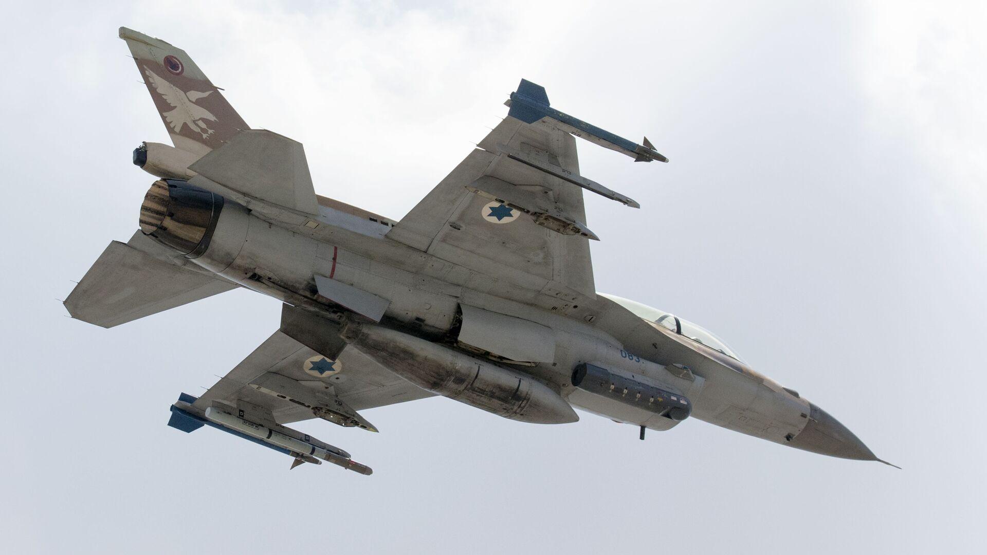 Caccia dell'aeronautica militare d'Israele F-16 D - Sputnik Italia, 1920, 20.07.2021