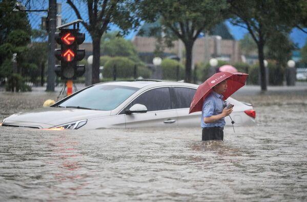 Il bilancio totale delle vittime delle inondazioni è salito ad almeno 25. - Sputnik Italia
